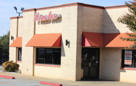 Wrestling Team Holds Pizza Inn Fundraiser