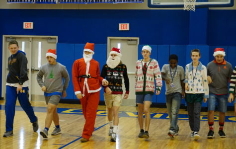 TR Shows Their Christmas Spirt