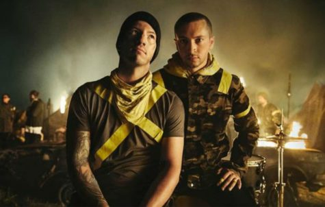 Josh Dun (left) and Tyler Joseph (right)