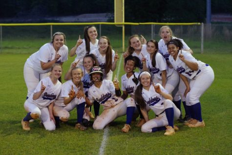 Devildog Softball: Looking for the Ring
